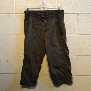 lululemon athletica Pants - Lululemon olive crop studio pant sz 8 57654